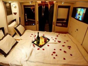 10-amazing-first-class-airline-seats-that-are-better-than-a-hotel-room