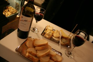 Madrid_Wine_and_Food_at_Table